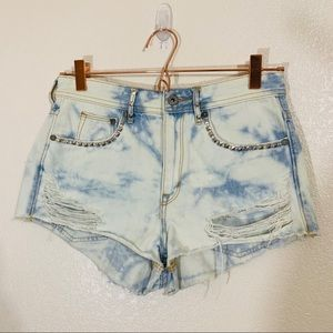H&M | Light Acid Wash Distressed Studded Shorts -6